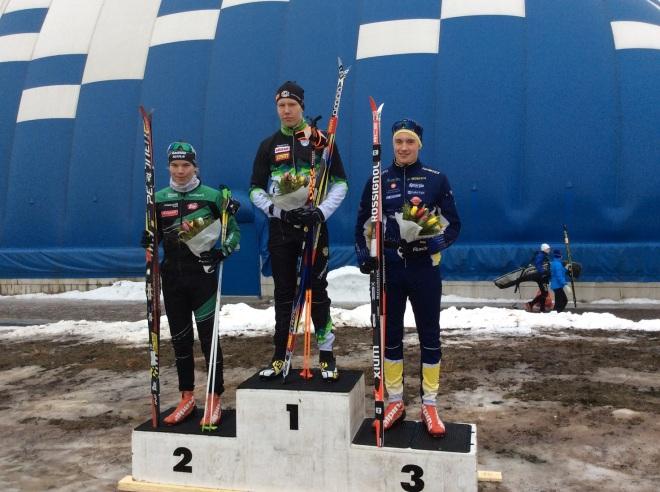 Mitalistit: Kultaa Verneri Suhonen Hollolan urheilijoista, Hopeaa Raision Kuulan Lassi Vuorinen ja pronssin otti Kasper Lönnbäck IF Minkenistä.